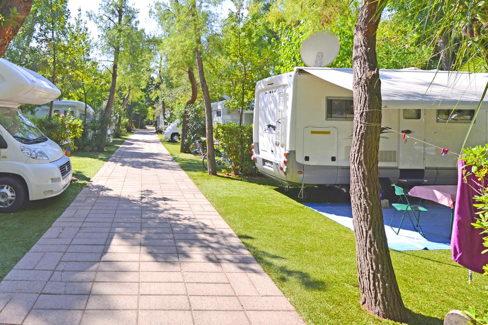 camping allées, emplacements caravane mobil-home